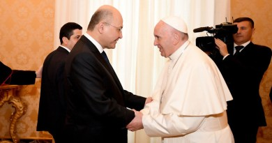Iraq President Barham Salih with His Holiness Pope Francis. Photo Credit: Iraqi Presidency