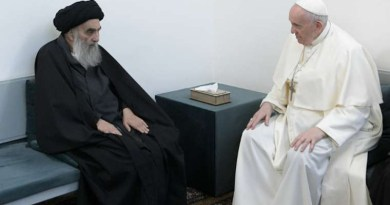 Pope Francis meets Grand Ayatollah Ali al-Sistani in Najaf, Iraq, March 6, 2021. Credit: Vatican Media.