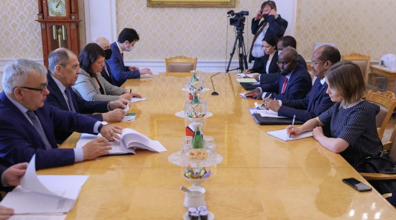 Russia's Sergey Lavrov with Djibouti's Ali Youssouf
