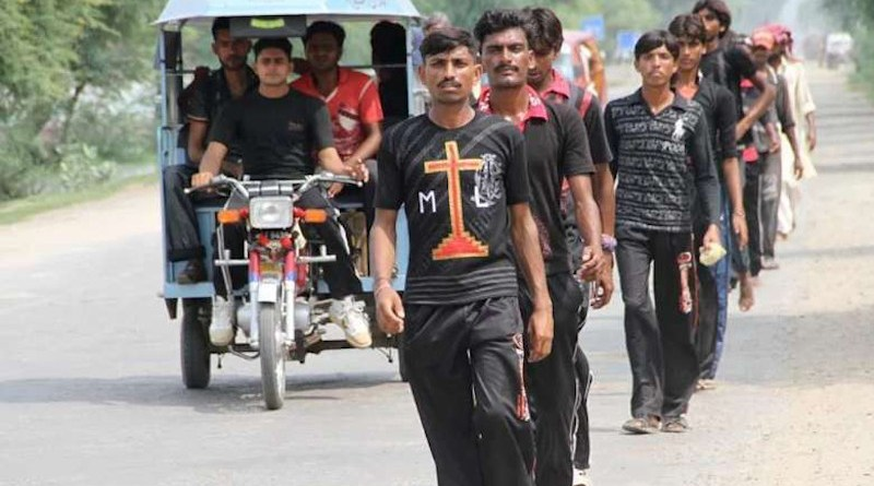 Young Pakistani Catholics walk to the Mariamabad shrine in this file photo. (Photo supplied)