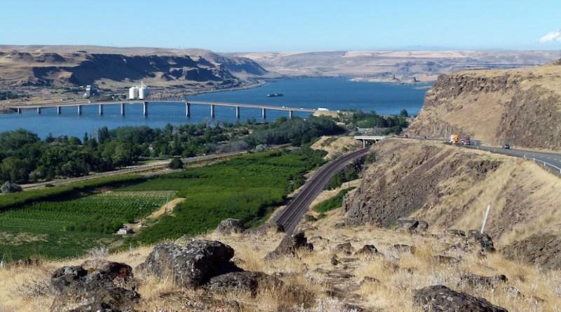 Landscape Columbia River Oregon Usa Nature Scenic