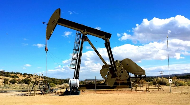 Oil production generates large volumes of wastewater, which is often injected into the ground as a means of disposal to avoid polluting surface waters. The injections can cause earthquakes. CREDIT: UCR