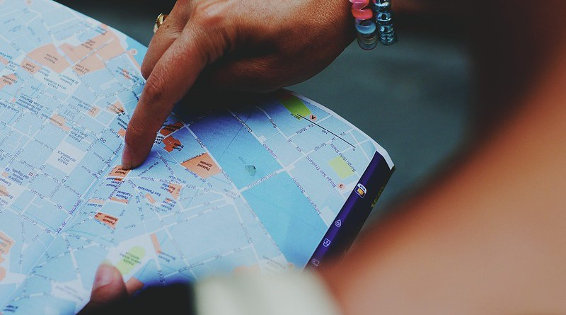 Map Tourism Lost Direction Guide Tourist Guide