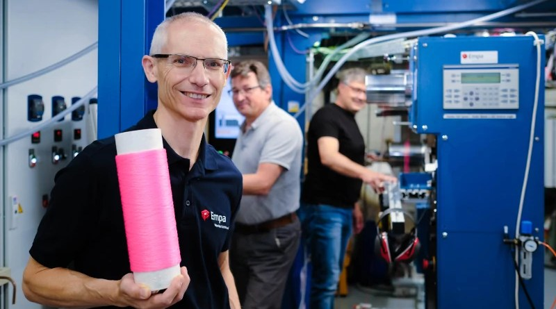 Rudolf Hufenus' team is a world leader in the production of liquid-filled fibers. Image: Empa