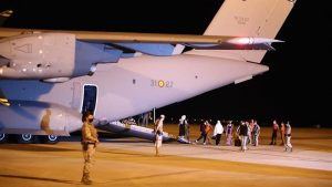 Spain receives first group of Spaniards and Afghan collaborators at the Torrejón Air Base in Madrid. Photo Credit: Foto: Pool Moncloa/Fernando Calvo