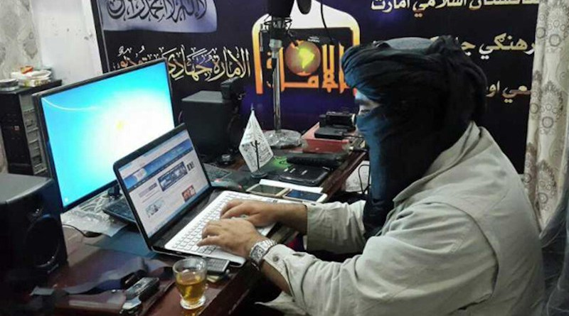 A Taliban using the internet. Photo Credit: Taliban linked Alemara News on Twitter