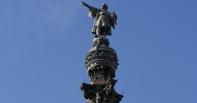 Christopher Columbus Monument Barcelona Port Sailor