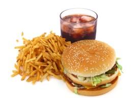 photo d'un hamburger frites et soda