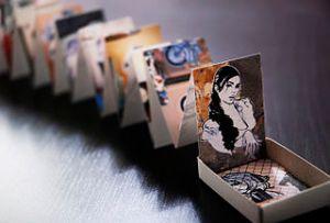livres d'artistes dans des boites d'allumettes