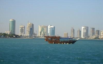 Je cherche des articles de journaux principalement en anglais afin de me pencher sur la question » Qatar friend or foe ? «