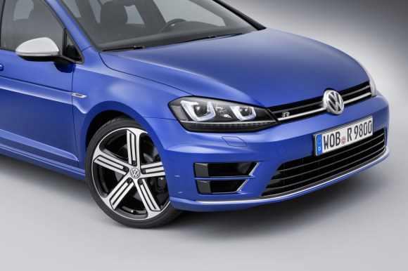 VW-Golf-R-Variant-007