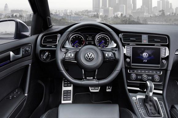 VW-Golf-R-Variant-015
