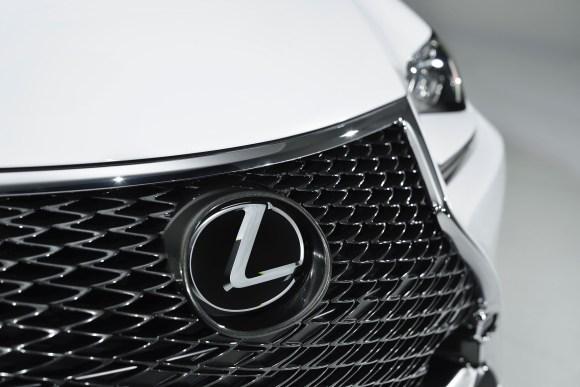 2015_Lexus_RC_350_F_SPORT_012