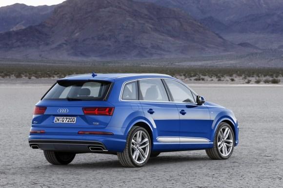 Audi-Q7-New-2016-16