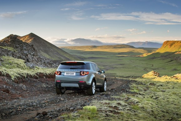 LR-Discovery-Sport-21