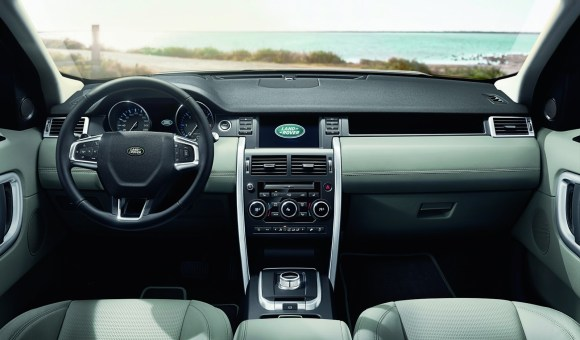 LR-Discovery-Sport-34