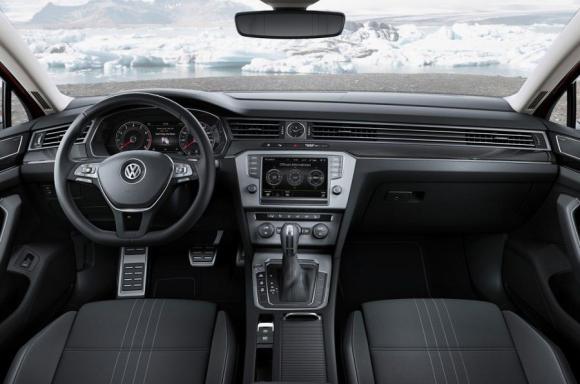 VW-Passat-Alltrack-11