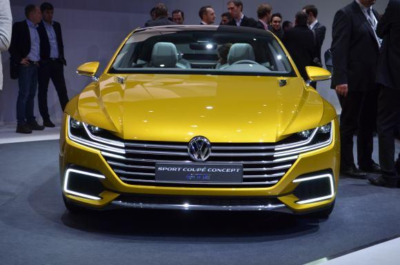 Volkswagen-Sport-Coupe-GTE-Concept-12