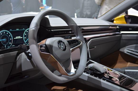 Volkswagen-Sport-Coupe-GTE-Concept-5
