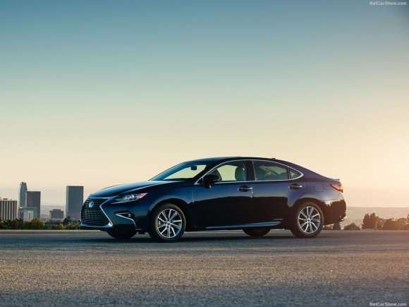 Lexus-ES_2016_1024x768_wallpaper_04