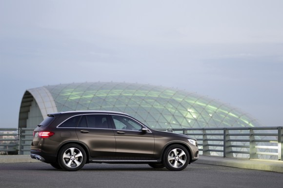 Mercedes-Benz-GLC-9