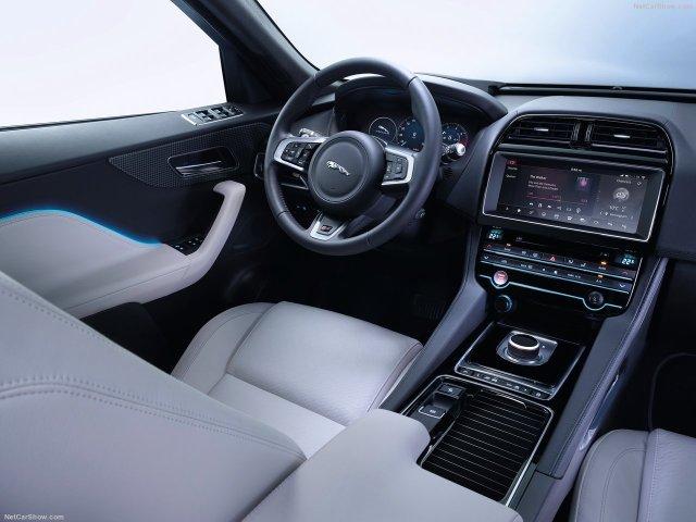 Jaguar-F-Pace_S-2017-1280-73