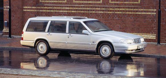 53_Volvo_V90_large
