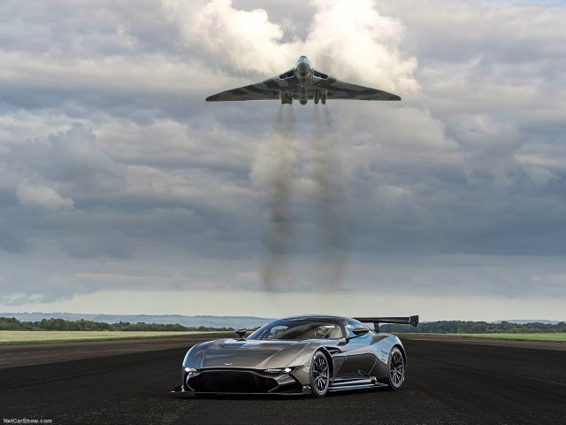 Aston_Martin-Vulcan_2016_1280x960_wallpaper_04