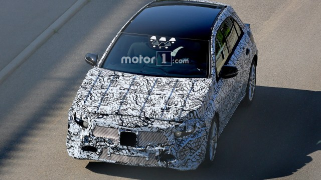 2018-mercedes-benz-a-class-spy-photo (3)