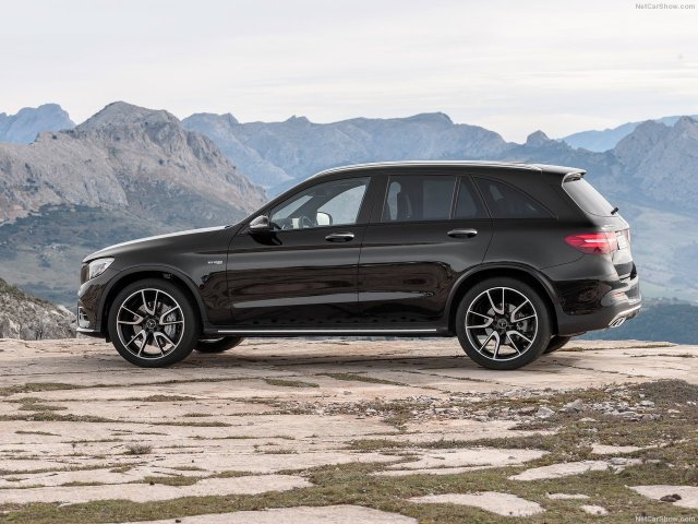 Mercedes-Benz-GLC43_AMG_4Matic_2017_1280x960_wallpaper_0d