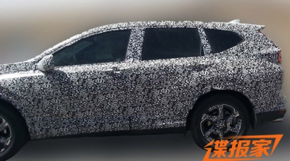 2017-honda-cr-v-side-spied-in-china