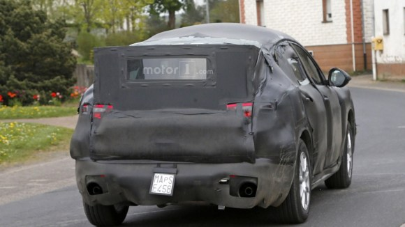 alfa-romeo-stelvio-spy-photo (4)
