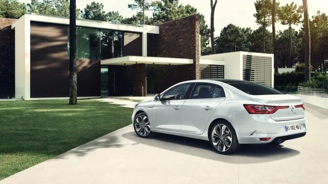 2017-renault-megane-sedan (2)