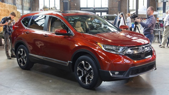 2017-honda-cr-v-live-photos