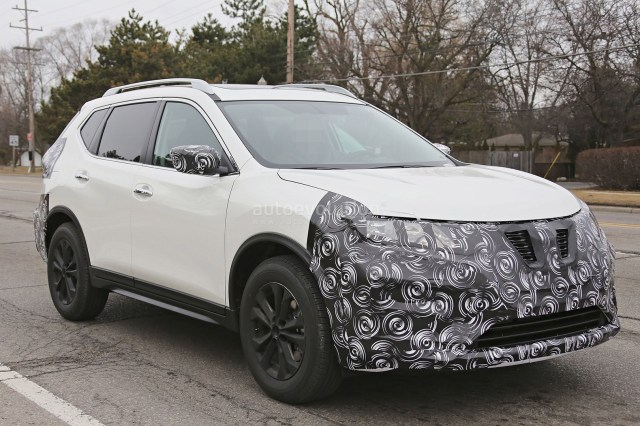 2017-nissan-rogue-spied-with-cosmetic-updates-104511_1