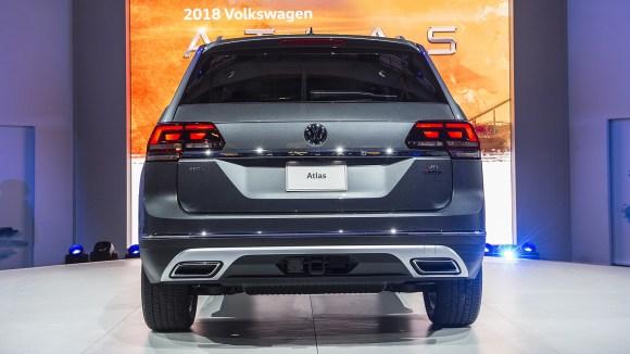 10-2018-volkswagen-atlas-live-1