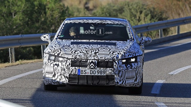 2017-vw-arteon-spy-photo