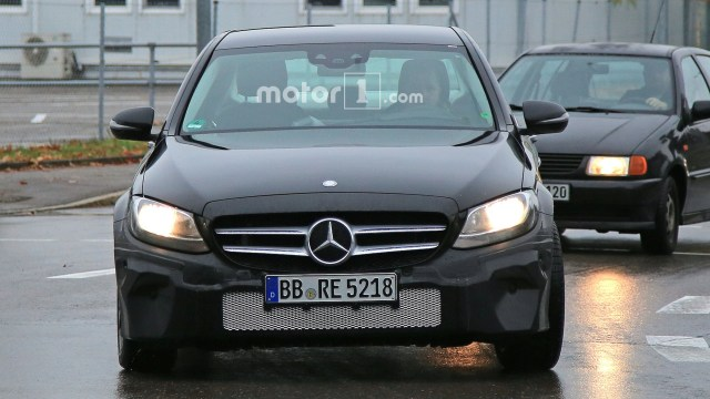 2018-mercedes-benz-c-class-spy-shots-1