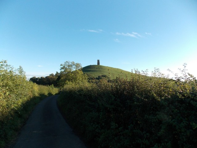 glastonbury-tor-409643_1920
