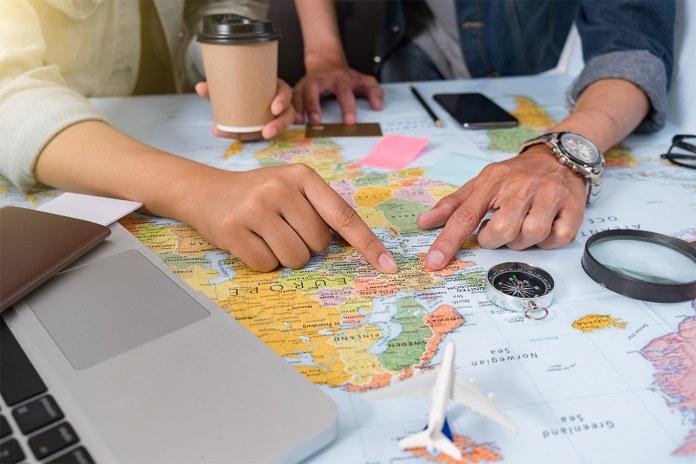 Como decidir morar no exterior? Saiba o que avaliar