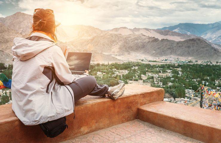 como ganhar dinheiro viajando