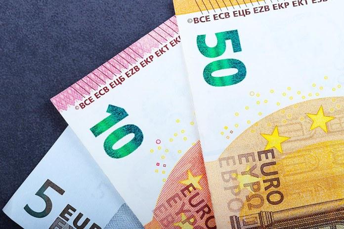 Comprar euro: dicas para fazer o melhor negócio e economizar