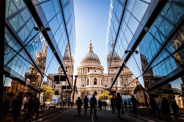 como conseguir emprego em Londres