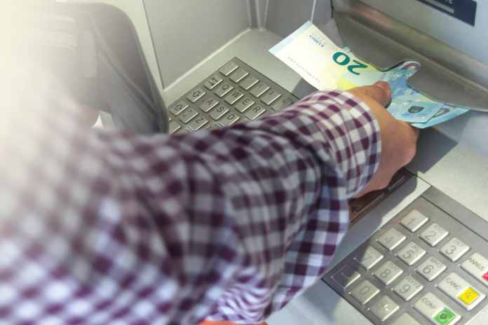 Saques no N26: saiba como sacar no banco digital