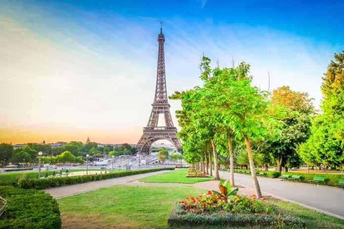 Seguro viagem França: confira como escolher a proteção ideal