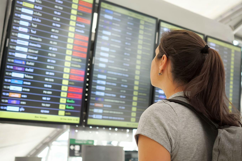 Remarcar ou cancelar passagens aéreas na pandemia