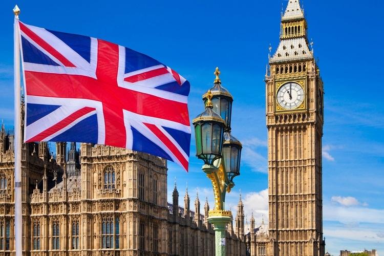 coisas que todo brasileiro pensa ao chegar na Inglaterra sobre o big ben