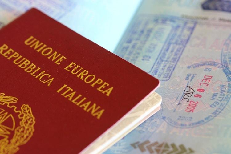 Passaporte e visto de cidadania italiana