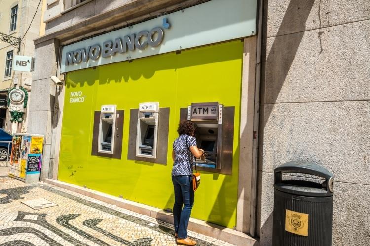 Saque de dinheiro em Portugal