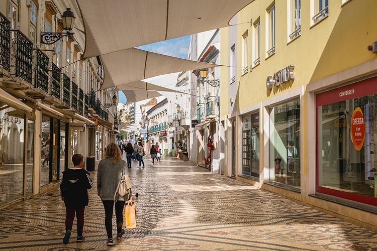 Mercado de trabalho baixa de Faro